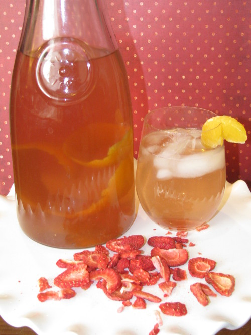 Strawberry and Tangerine Metabolism Boosting Drink